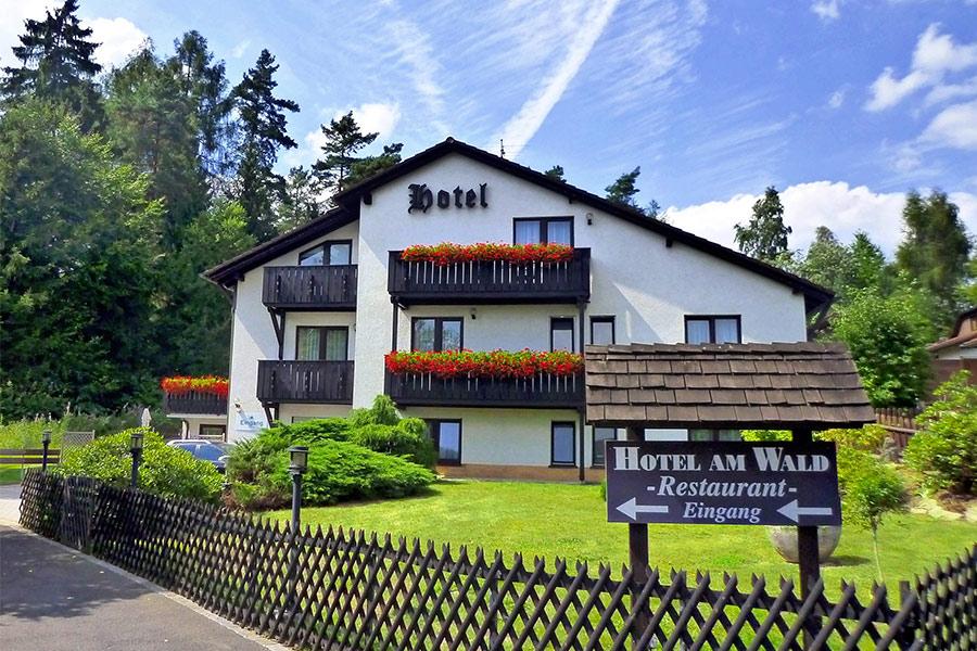 """Meister BÄR HOTEL Hotel am Wald <span class=""""garni"""">(Garni)</span>"""
